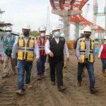 Ministro González inspeccionó los trabajos en el puente Nanay