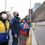 Alcalde de Lima supervisó acciones ejecutadas tras deslizamiento en la Costa Verde
